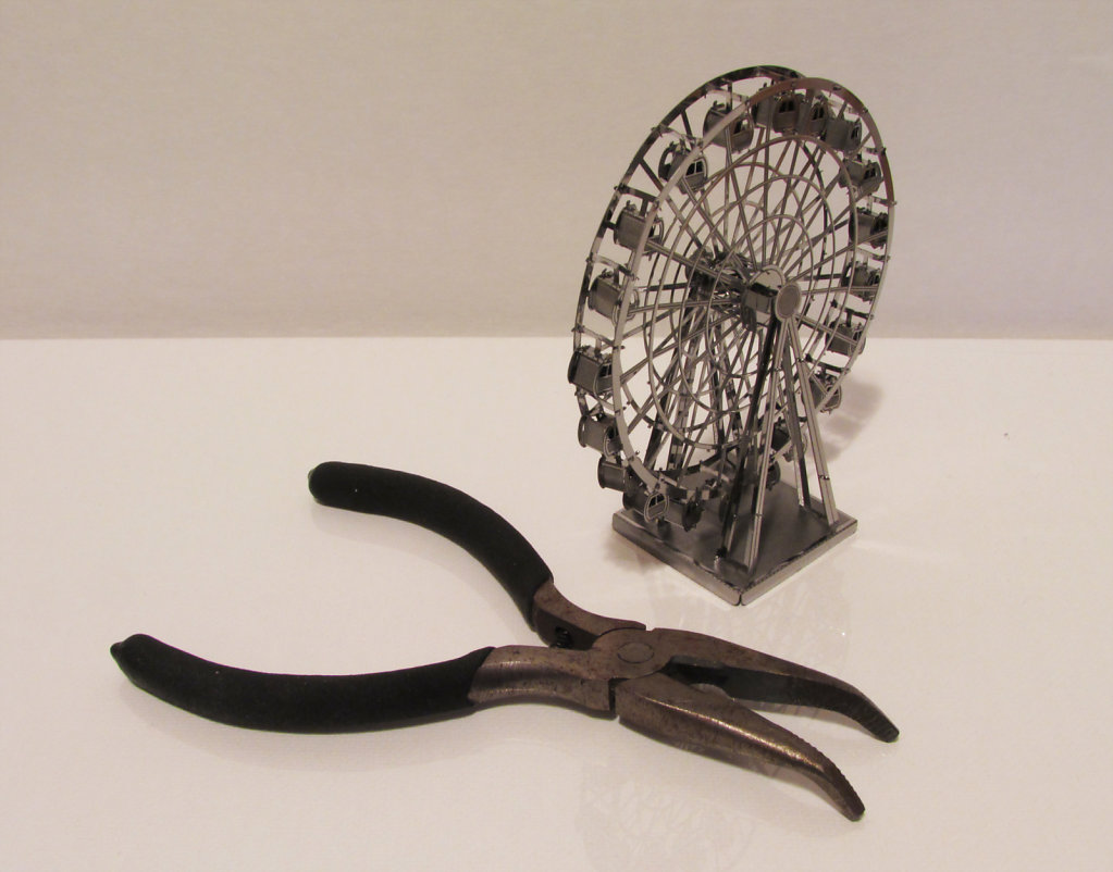 Picture of pliers and ferris wheel model
