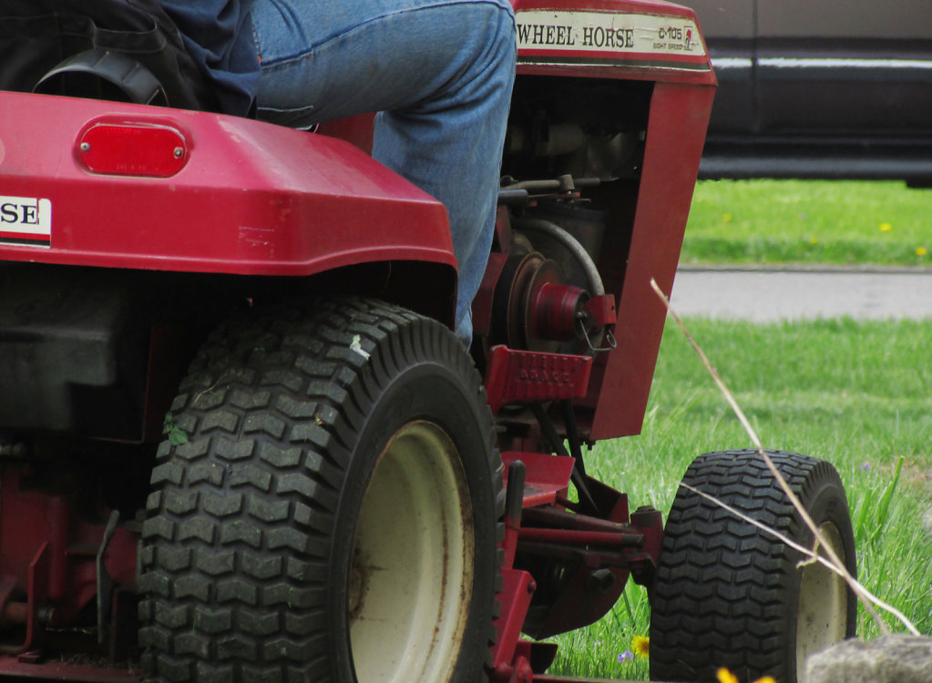 Riding mower picture