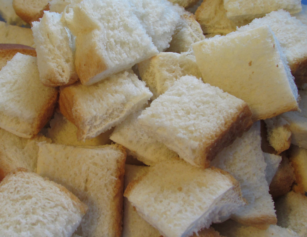 Bread cubes for a receipe