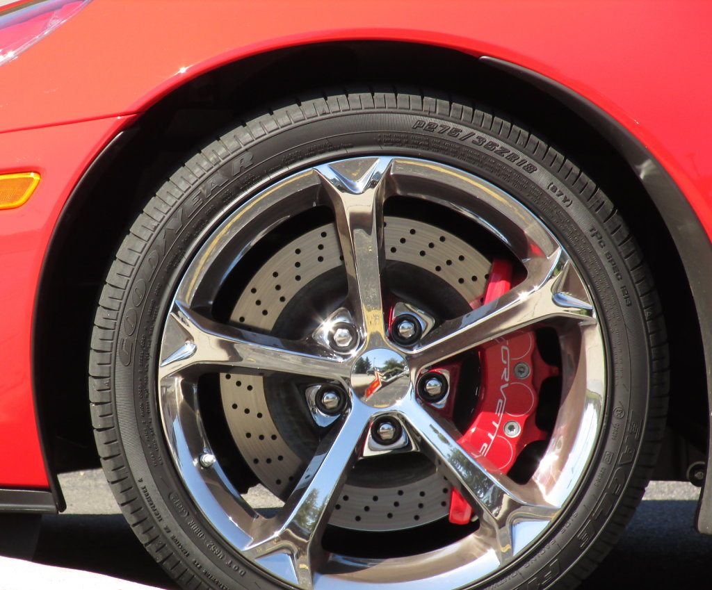 Hi-Res Image of Tire and Brakes